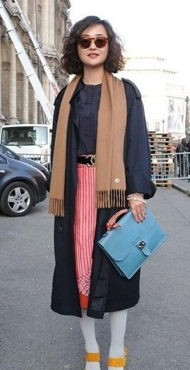巴黎时装周 街拍女王范冰冰图片