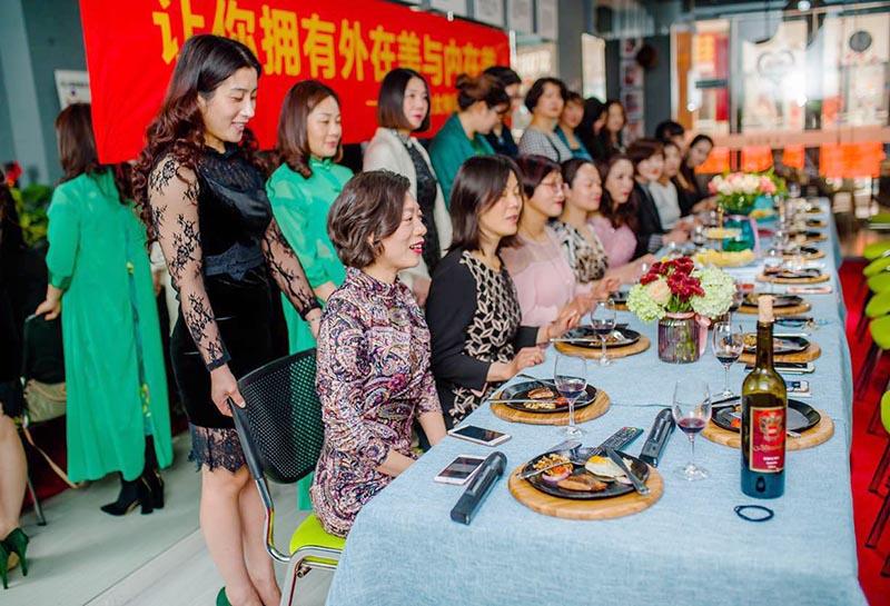 潇文化公益活动西餐礼仪培训圆满闭幕