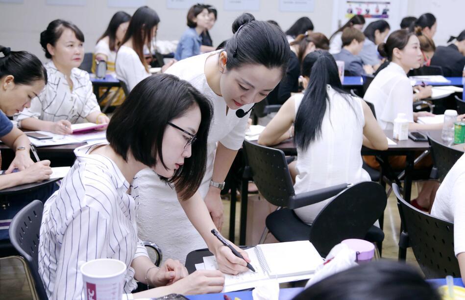 逯瑶老师指导学生