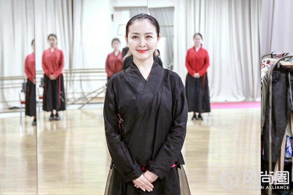国内著名优雅仪态教练徐文波老师