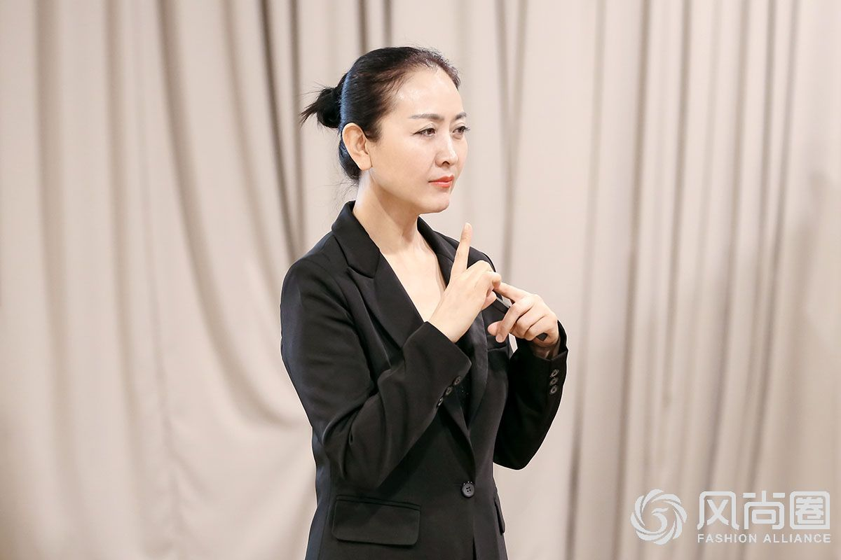 风尚圈优雅仪态教练徐文波老师