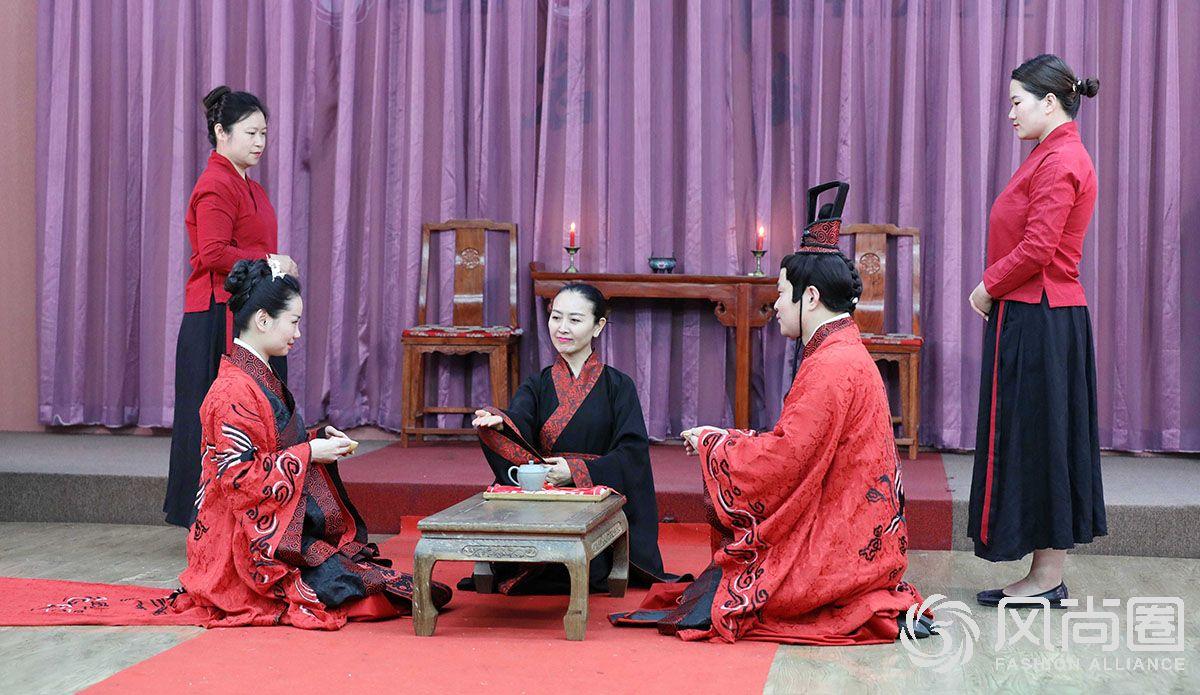 跪拜礼在中国有着悠久的历史